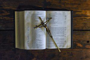 Jak czytać Biblię